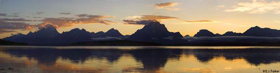 photot by e j peiker Teton Sunset Jackson lake.: