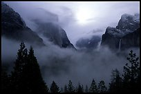 QT Luong Yosemite Valley from tunnel view: