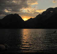 leigh lake last light of sunset 2011 177 pixels: last light of sun setting between the peaks