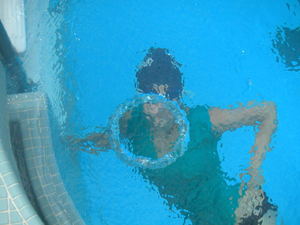 How to blow giant bubble rings in a swimming pool – Mary Donahue