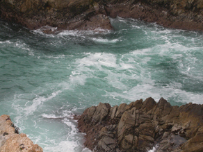 point lobos turquoise water: