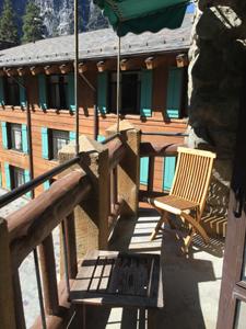balcony 15