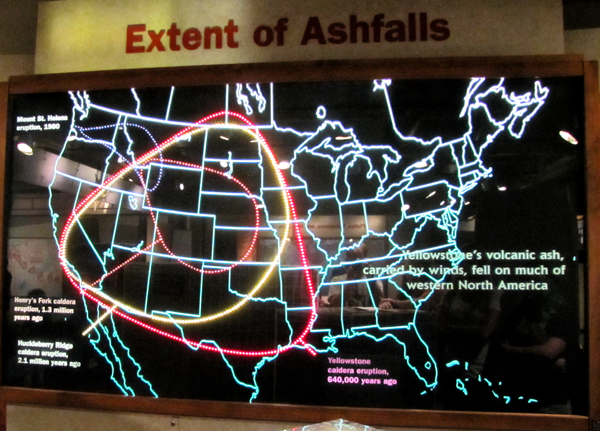 map of the United States with circles showing extent of ashfall from eruptions