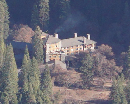 Ahwahnee hotel from the upper Yosemite falls trail photo by Jimmy Pham