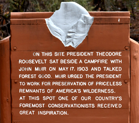 sign at Roosevelt turnout in Yosemite
